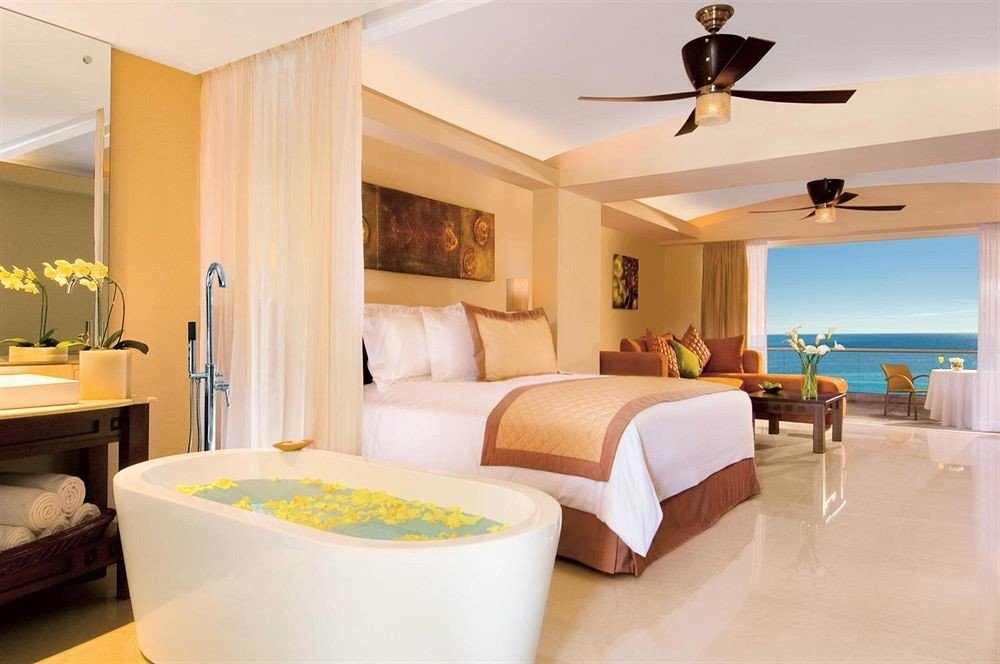 Beachfront Bedroom Hot tub/Jacuzzi Patio Scenic views property Suite home cottage Villa condominium