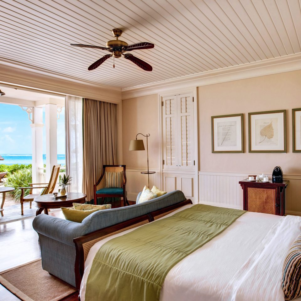 Beachfront Bedroom Island Luxury Romance Romantic Suite property home cottage living room mansion Villa farmhouse Resort