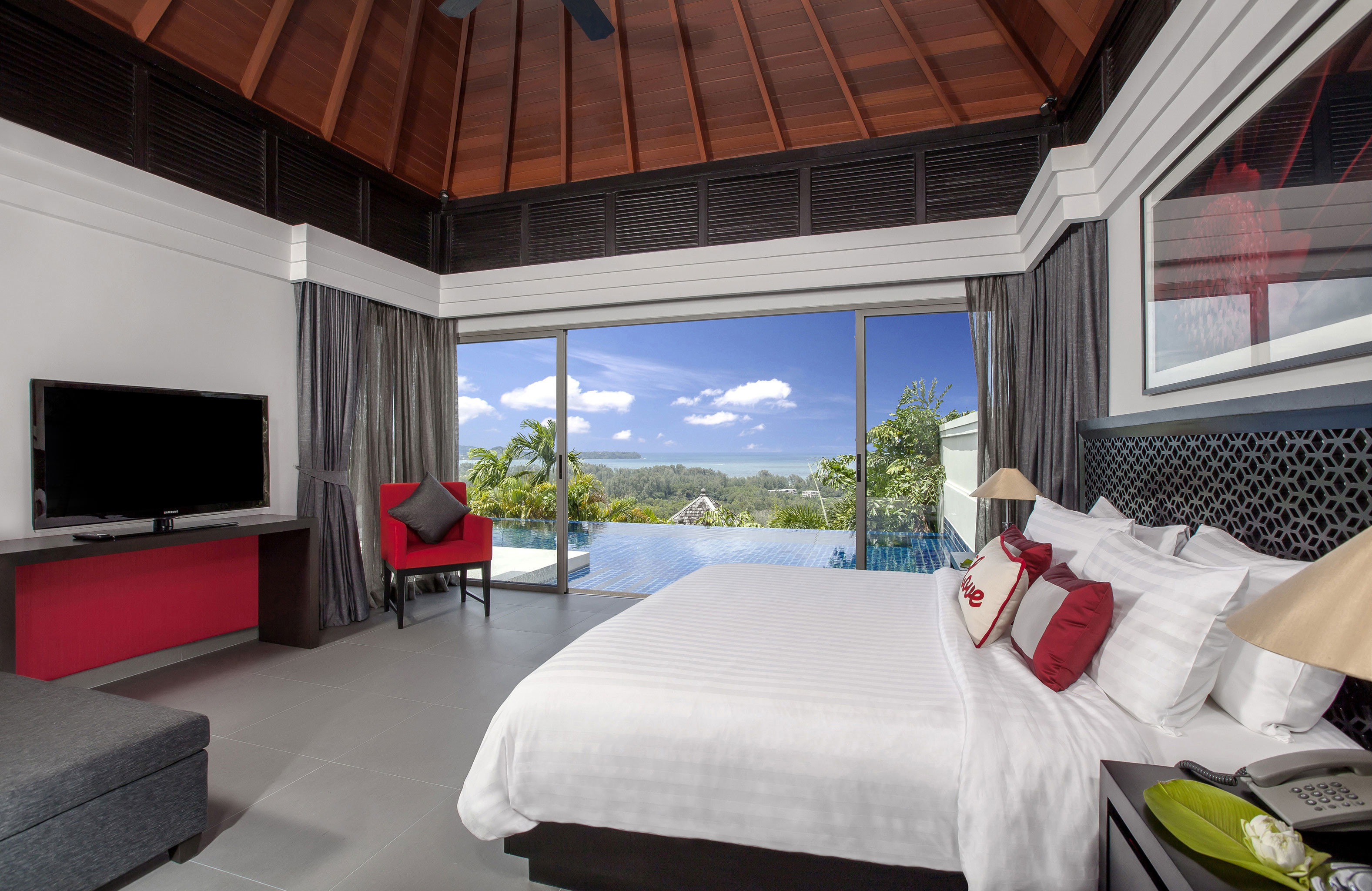 Beachfront Luxury Modern Pool Scenic views property Bedroom home cottage Villa Suite pillow
