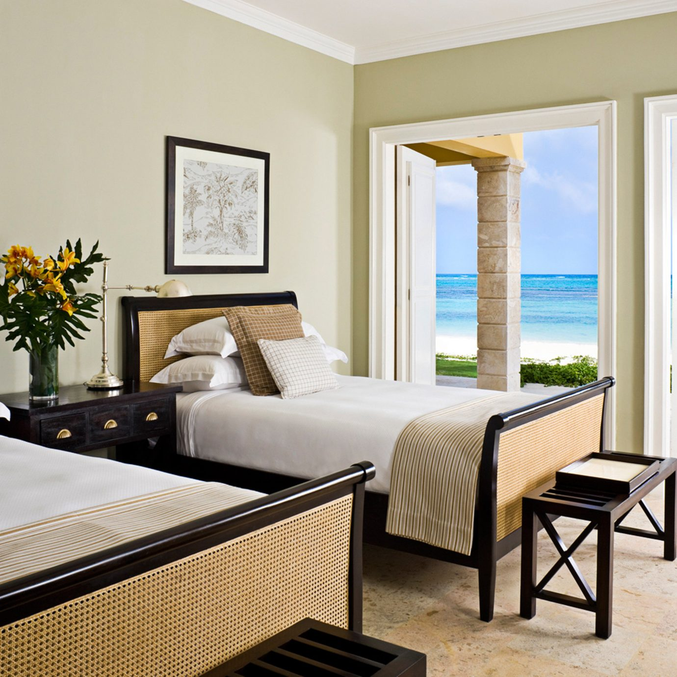 Beachfront Bedroom Luxury Modern Resort Suite property home living room Villa condominium cottage