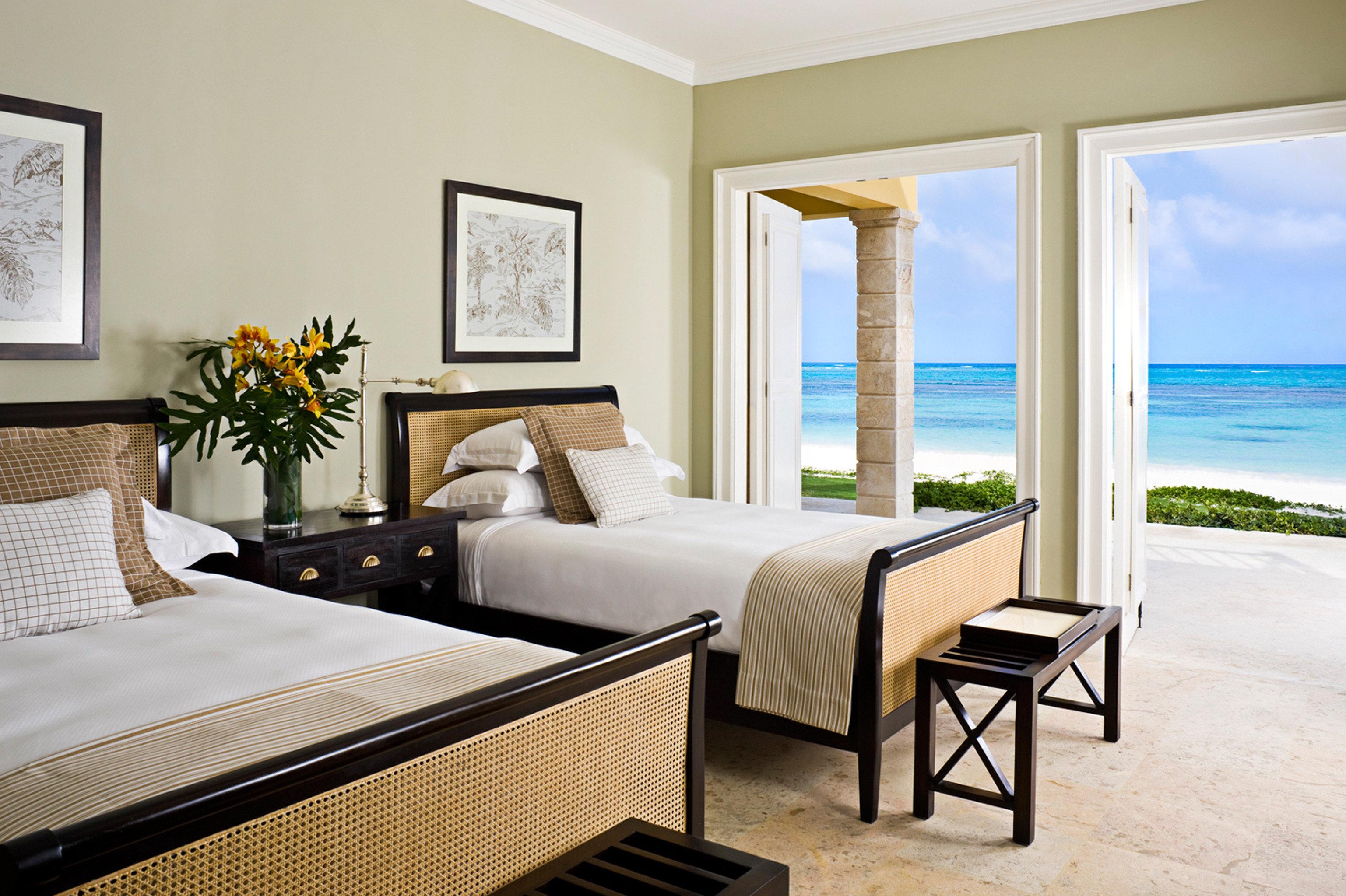 Beachfront Bedroom Luxury Modern Resort Suite property home living room Villa condominium cottage