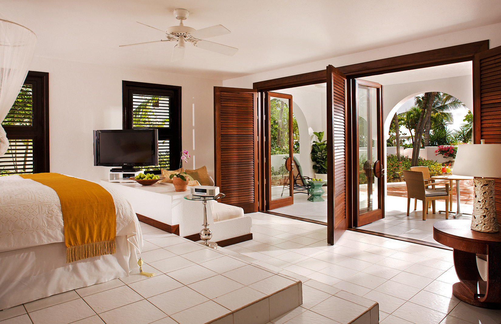 Beachfront Bedroom Luxury Scenic views Suite property living room home hardwood Villa condominium wood flooring cottage flooring
