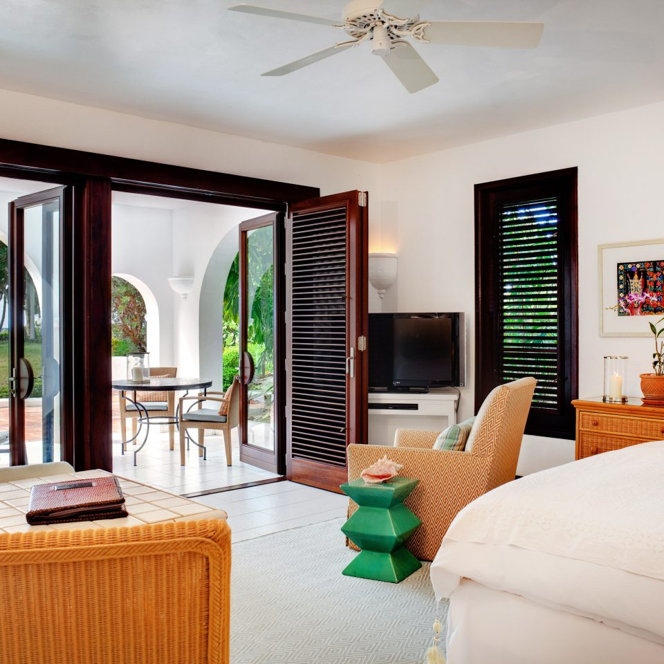 Beachfront Bedroom Luxury Scenic views Suite property living room home house condominium Villa cottage