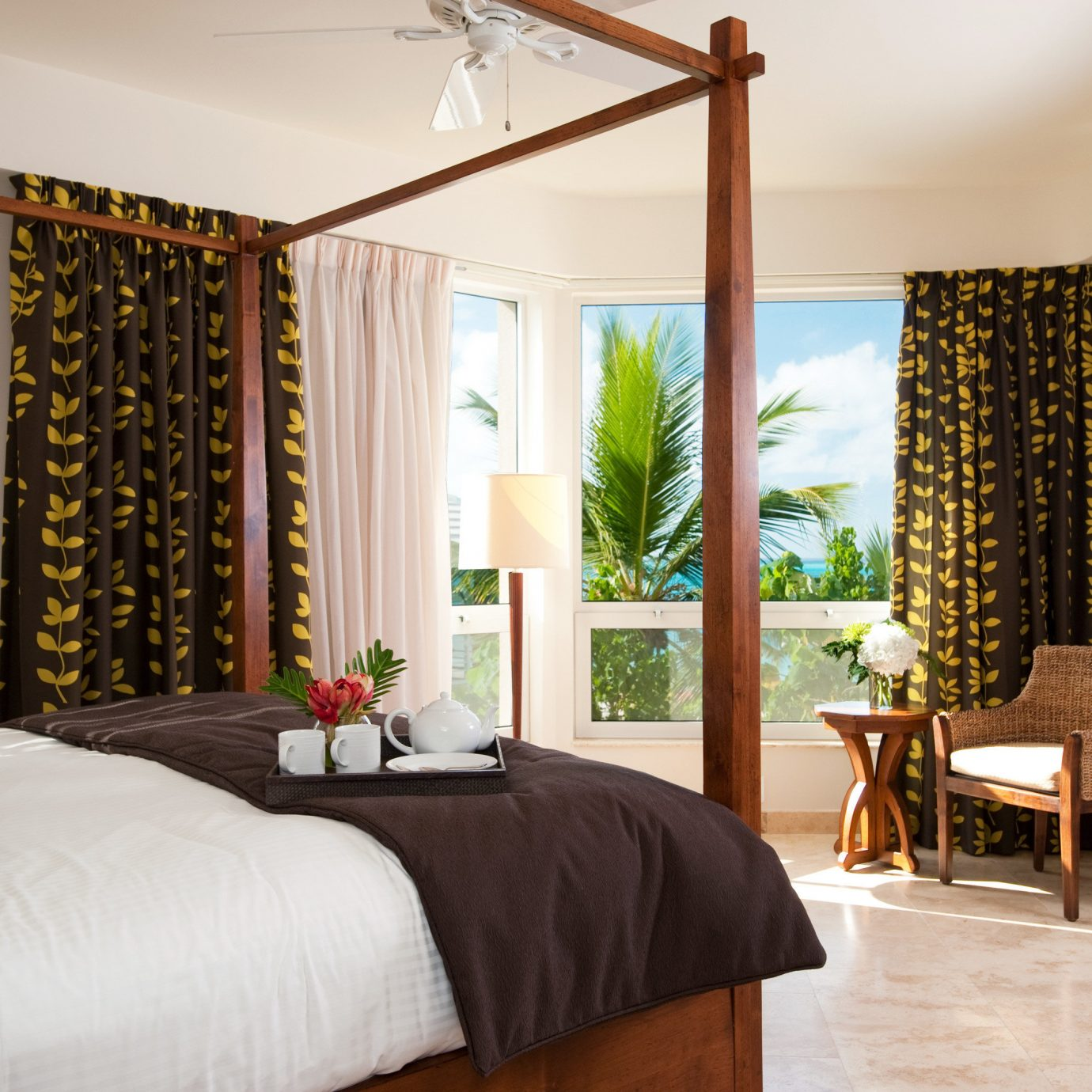 Beachfront Bedroom Luxury sofa property home living room cottage hardwood farmhouse condominium Suite Villa