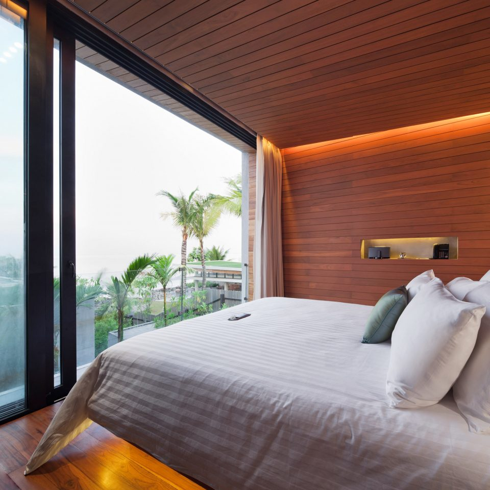 Beachfront Bedroom Modern Romantic Scenic views property Suite cottage Resort pillow Villa
