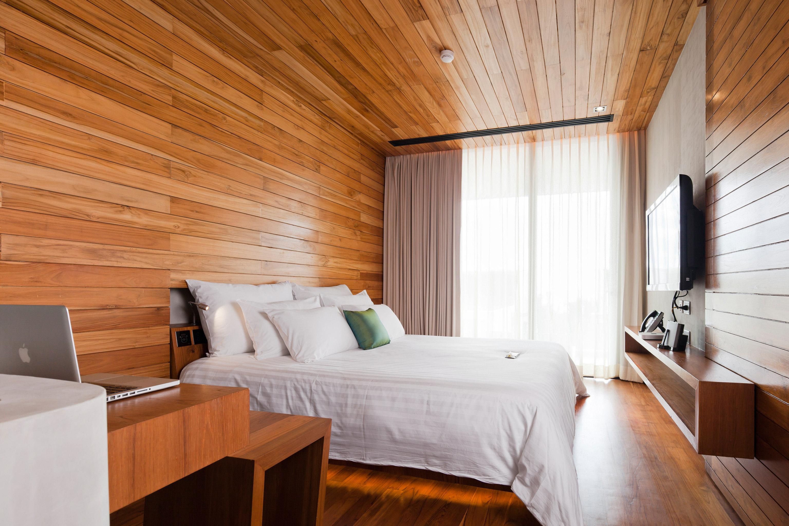 Beachfront Bedroom Modern Romantic property cottage Suite