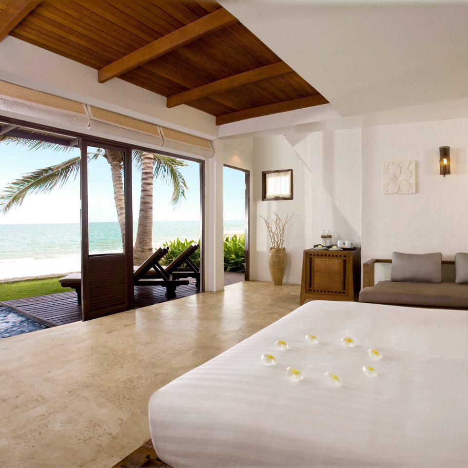 Beachfront Bedroom Ocean Scenic views Suite property Villa cottage home Resort farmhouse flat
