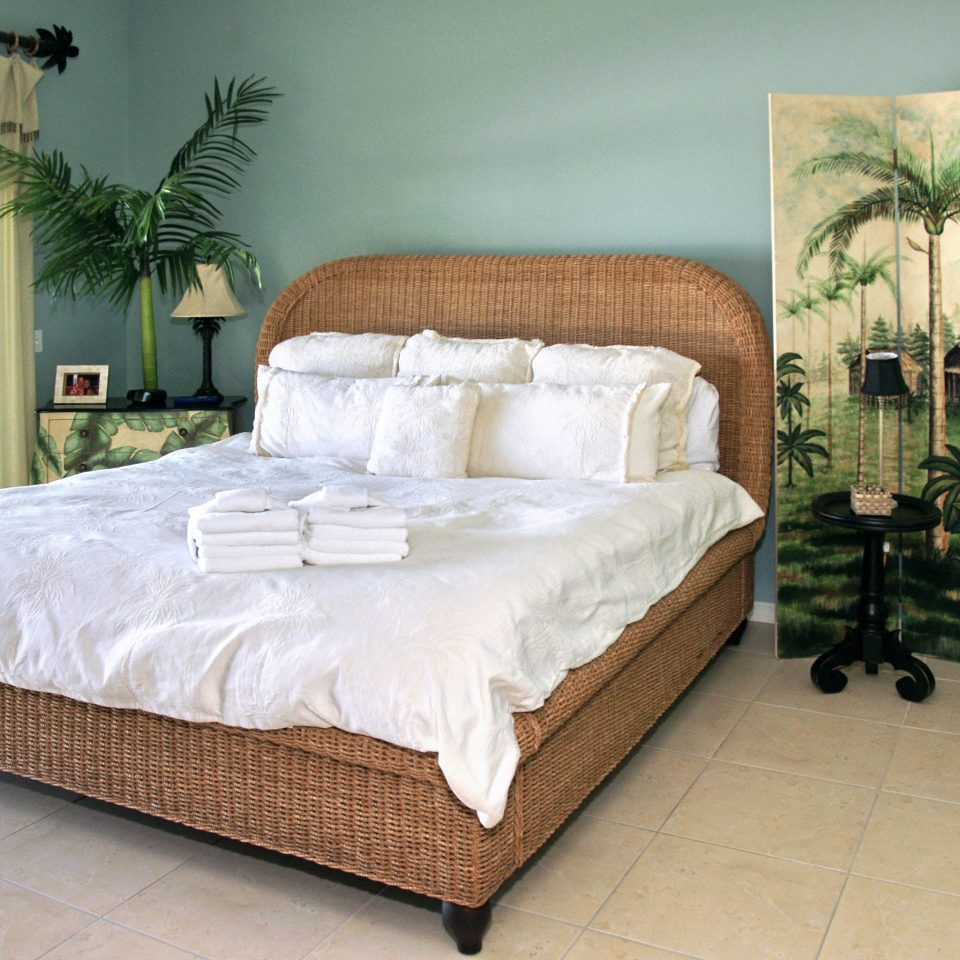 Beachfront Bedroom Resort property bed frame bed sheet green studio couch