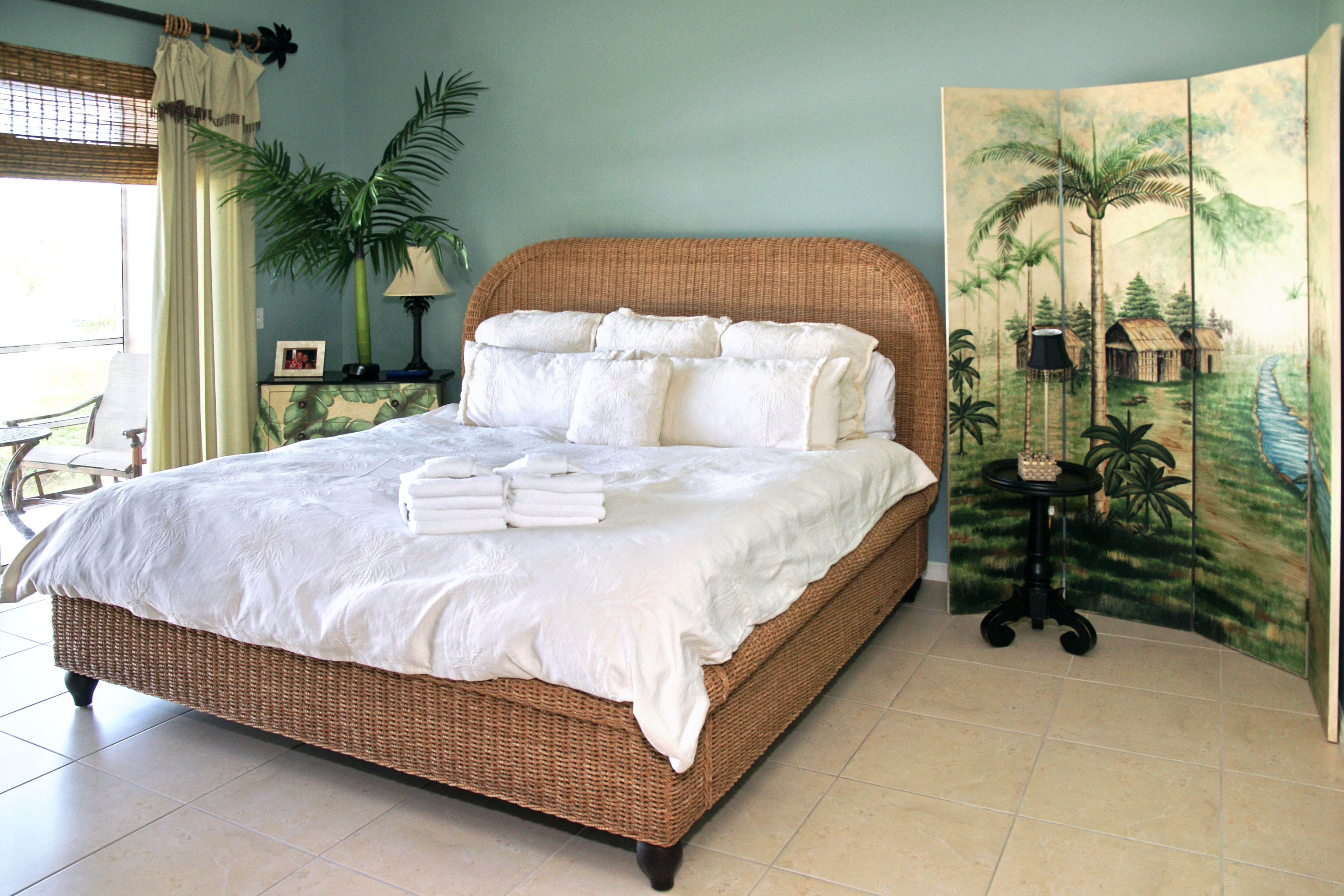 Beachfront Bedroom Resort property bed frame bed sheet green studio couch