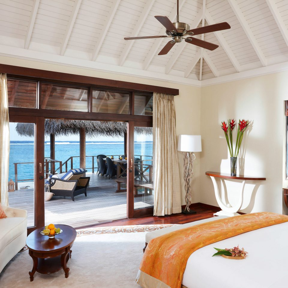 Beachfront Bedroom Resort Villa property home living room cottage farmhouse Suite arranged