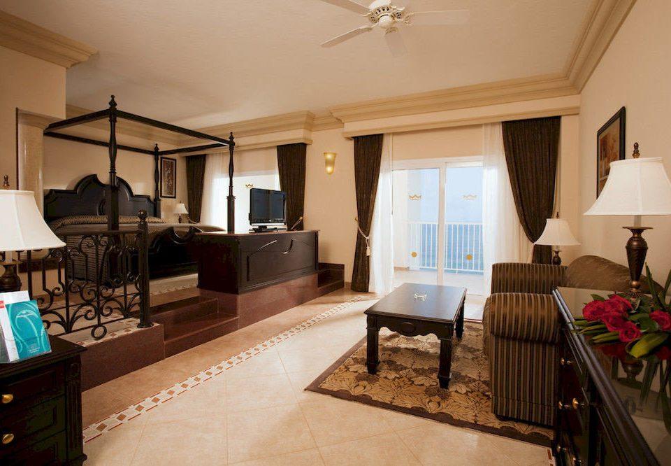 Beachfront Bedroom Resort property Suite living room home Villa cottage hardwood condominium mansion farmhouse
