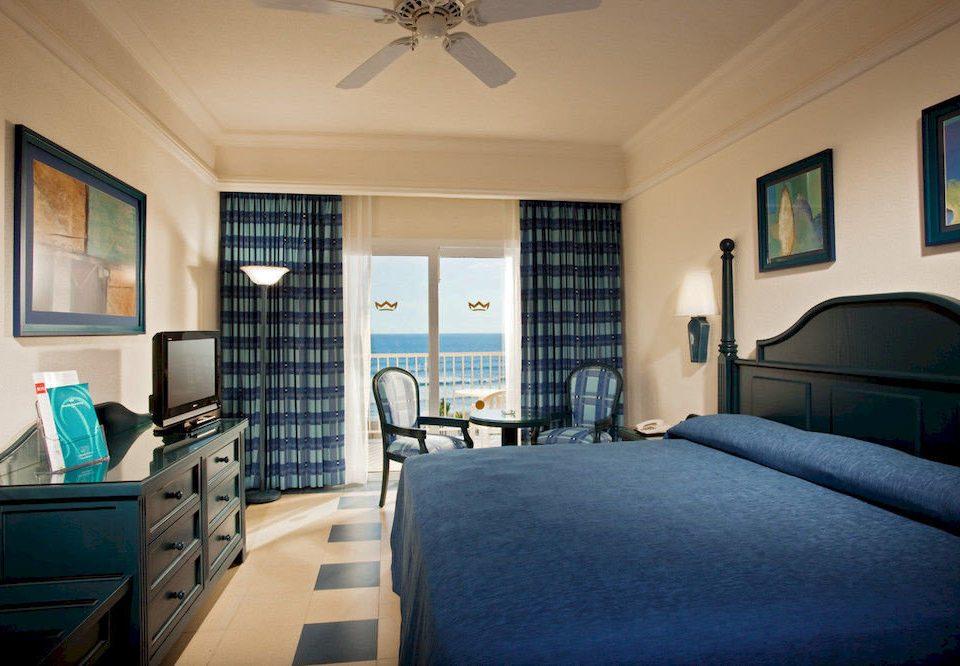 Beachfront Bedroom Resort sofa property living room home condominium cottage Suite