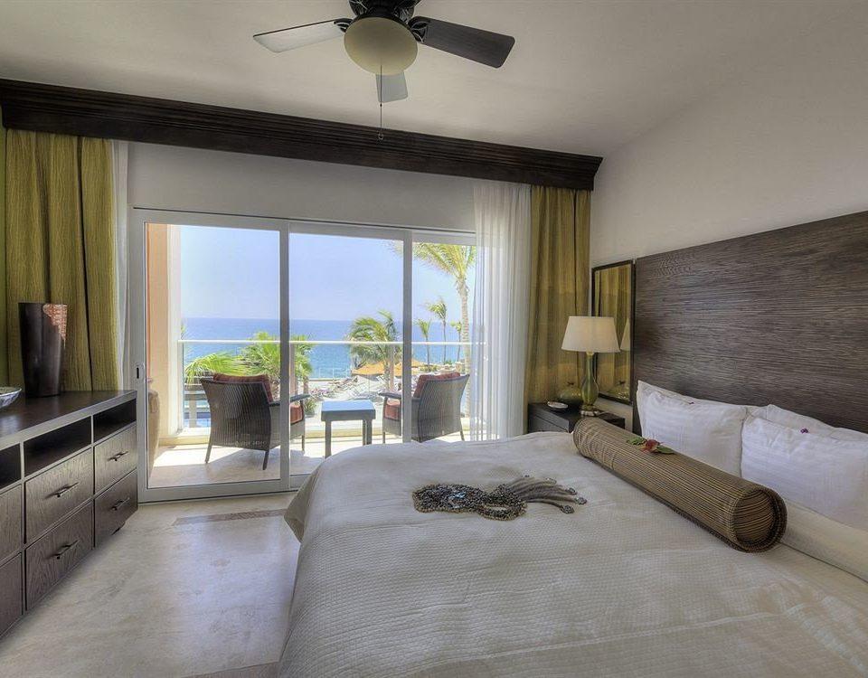 Beachfront Bedroom Resort property living room home Villa cottage condominium farmhouse Suite mansion