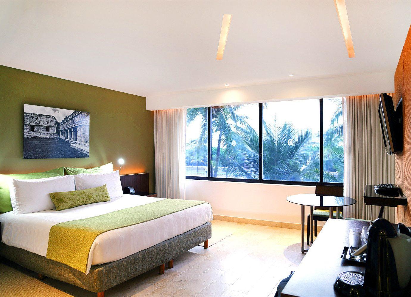 Beachfront Bedroom Resort property Suite condominium living room home Villa cottage flat