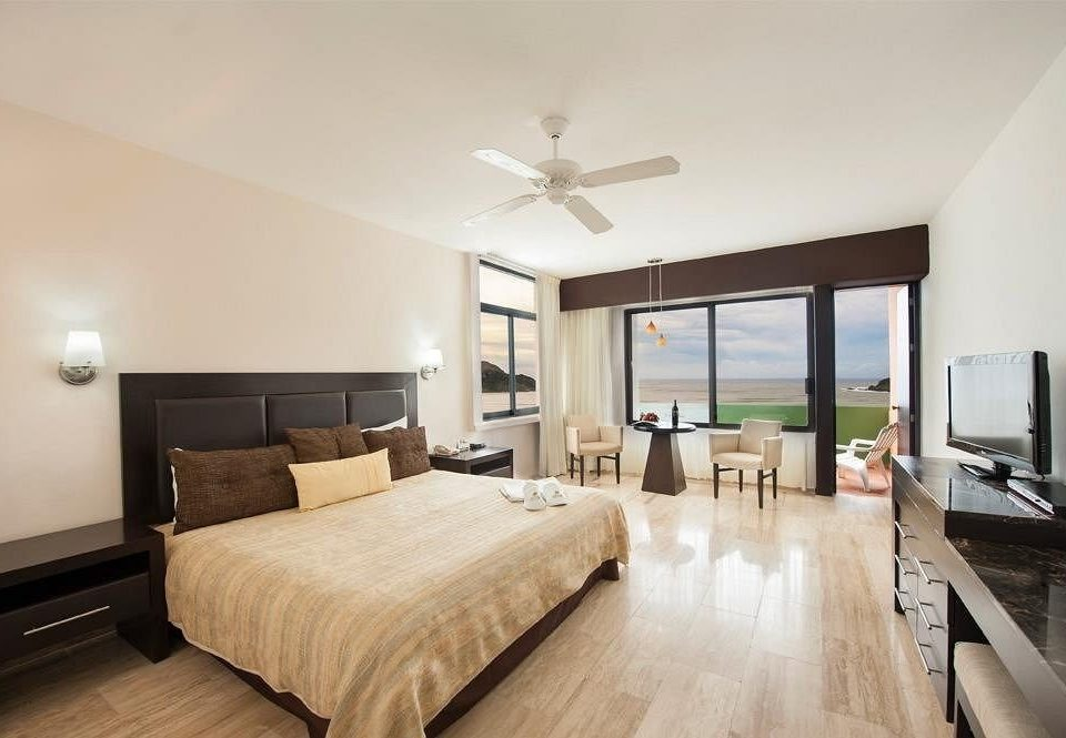 Beachfront Bedroom Resort property Suite living room hardwood home condominium cottage Villa