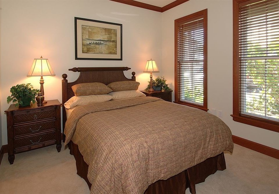 Beachfront Bedroom property cottage Suite hardwood home lamp containing