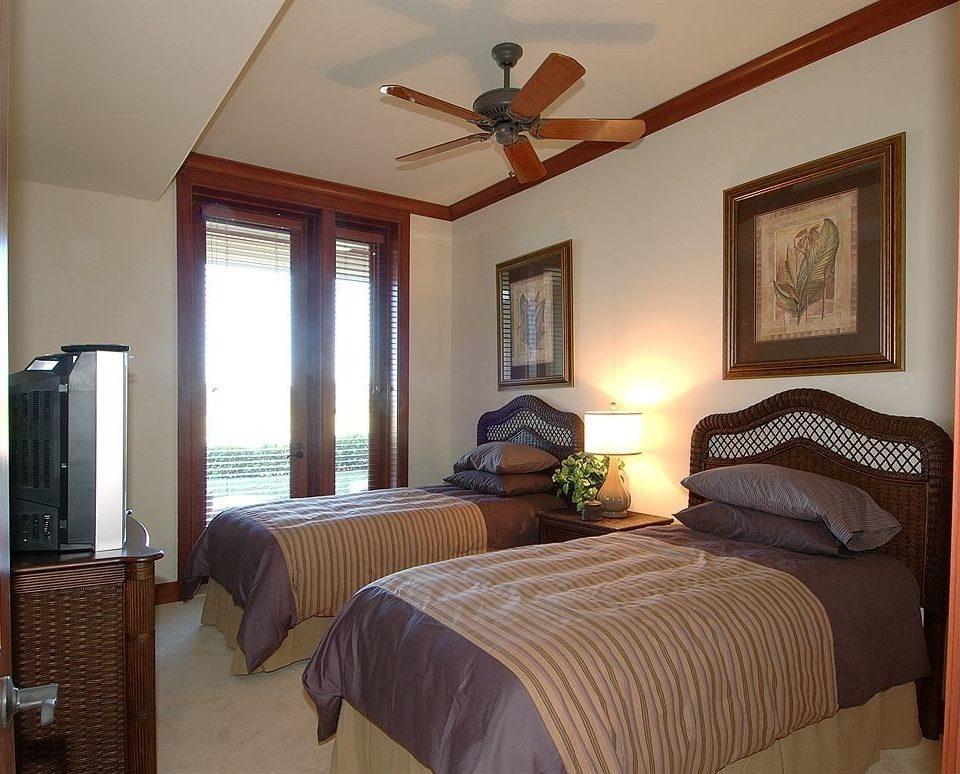 Beachfront Bedroom property cottage home Suite Villa farmhouse lamp