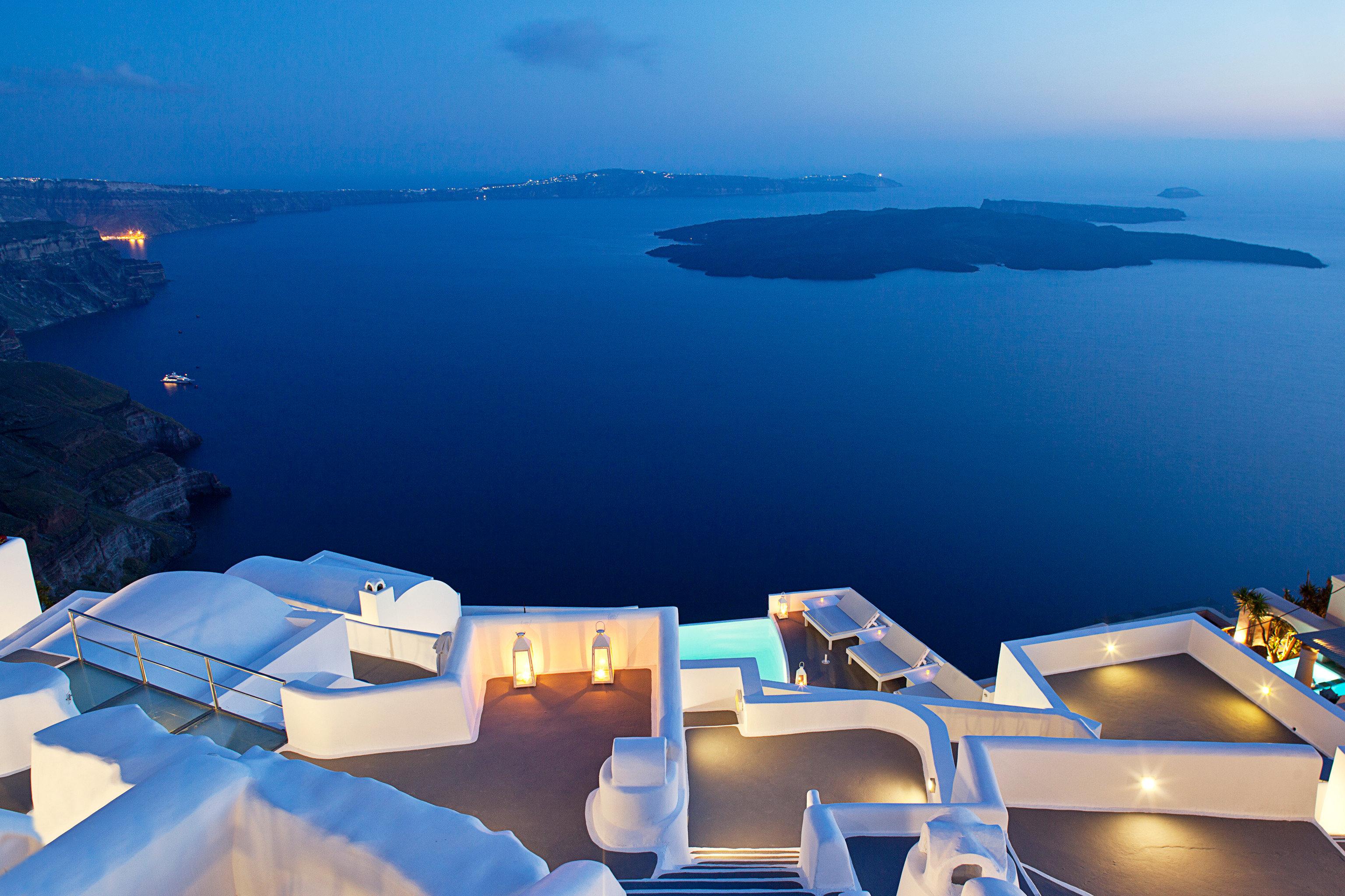 Beachfront Elegant Luxury Modern Ocean Pool Scenic views sky water Boat Sea atmosphere of earth blue Nature screenshot overlooking