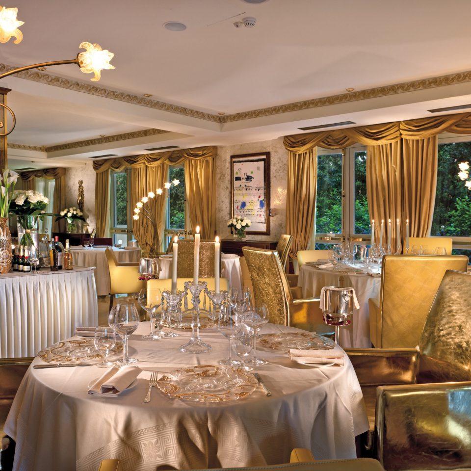 Beachfront Boutique Classic Dining Eat Wine-Tasting function hall restaurant ballroom wedding reception Resort dining table