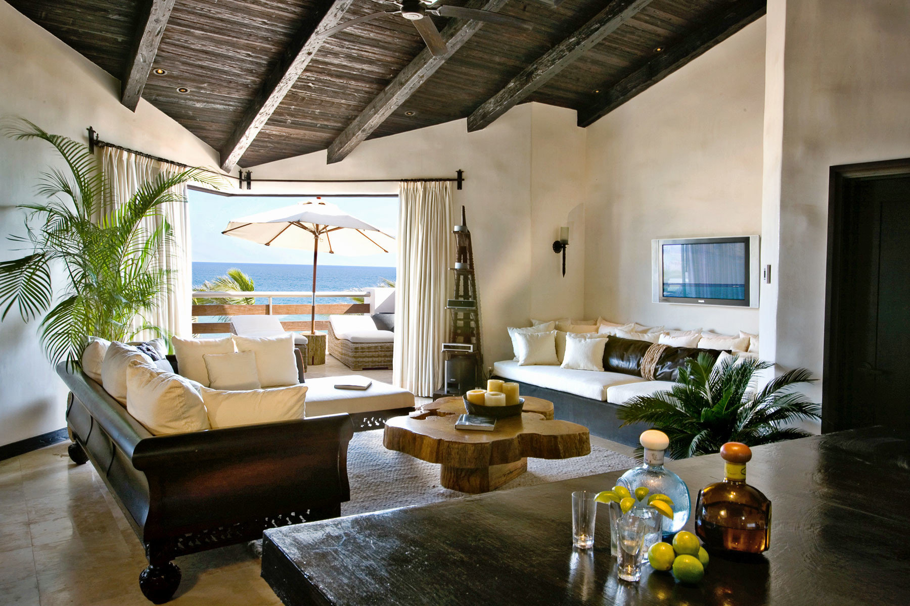 Beachfront Budget Hotels Lounge Luxury Patio property house living room home Villa mansion cottage