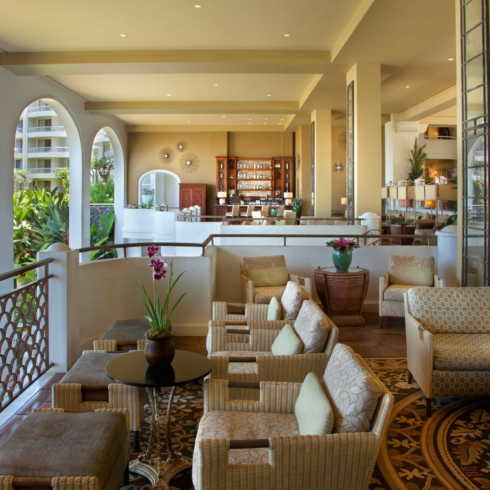 Beachfront Deck Family Resort property Lobby living room home condominium porch restaurant cottage