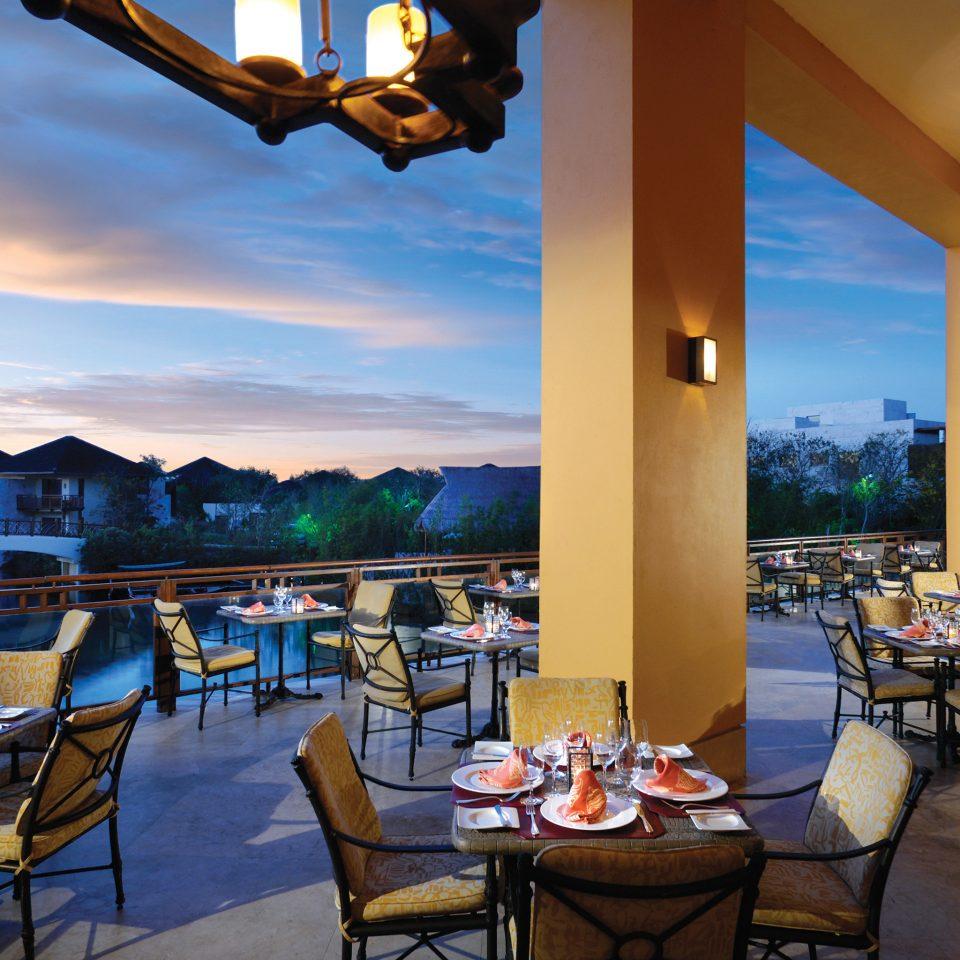 Beachfront Dining Drink Eat Family Resort sky chair restaurant Villa set