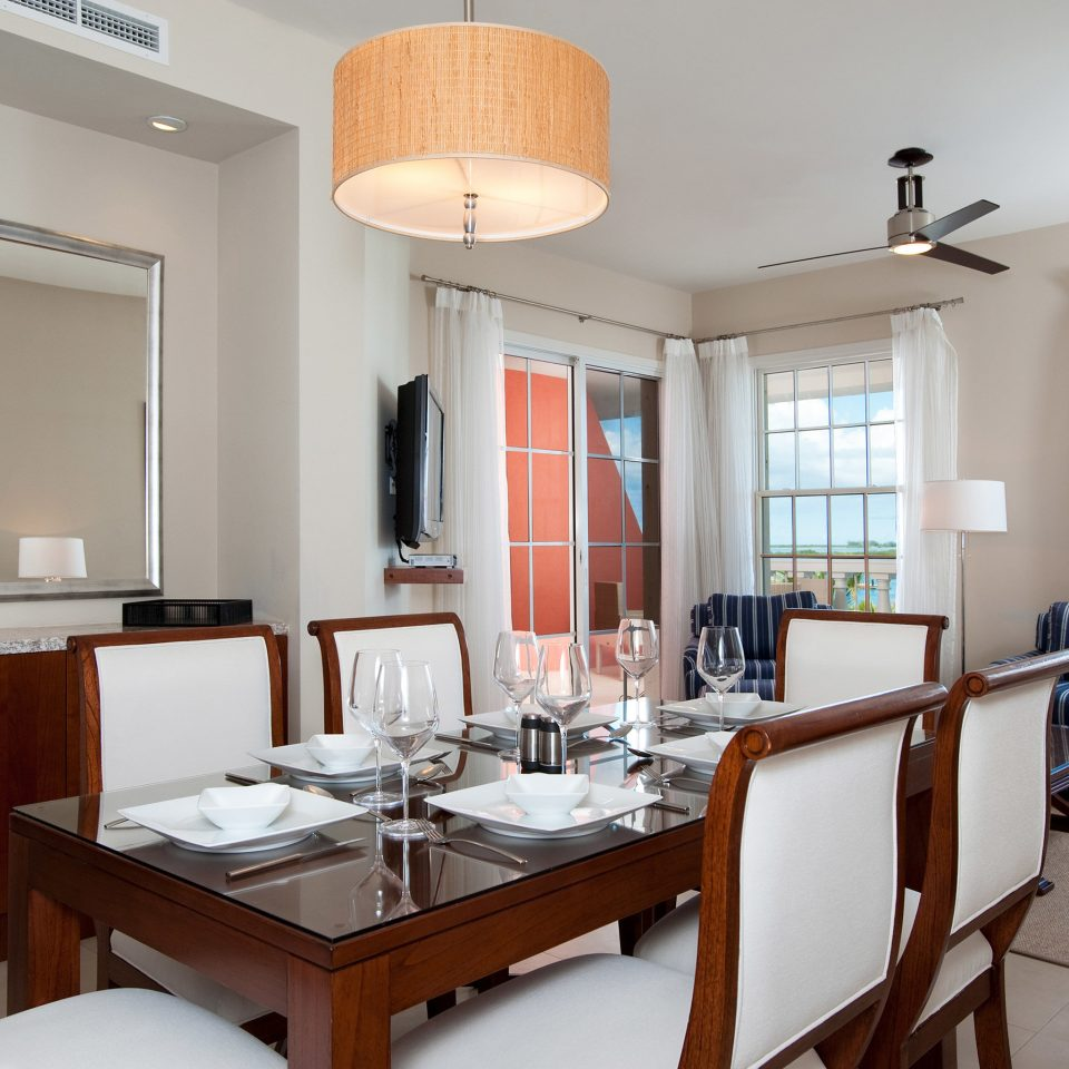 Beachfront Dining Drink Eat Family Resort property home condominium living room Suite