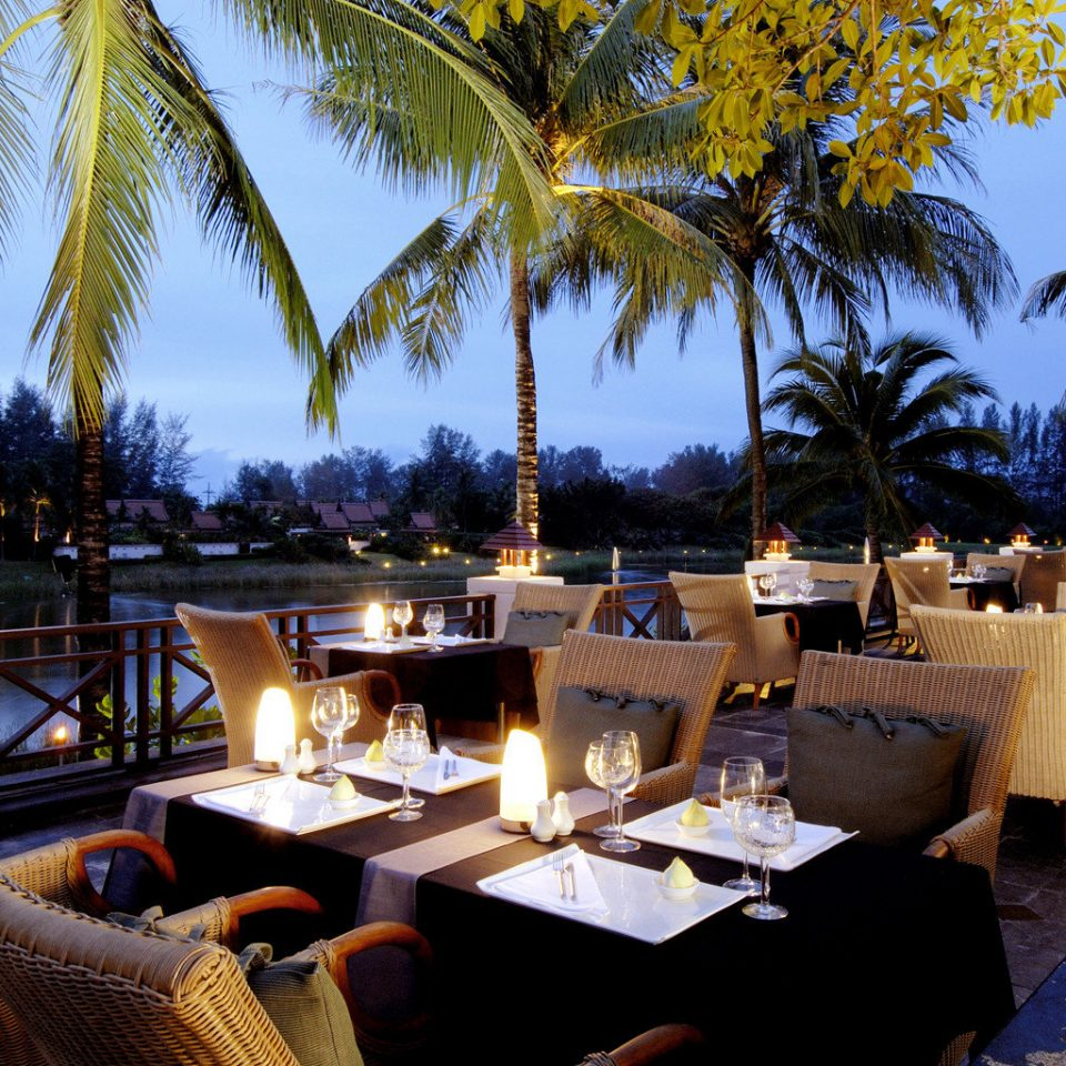Beachfront Dining Drink Eat Honeymoon Hotels Luxury Romantic Wellness tree palm Resort restaurant