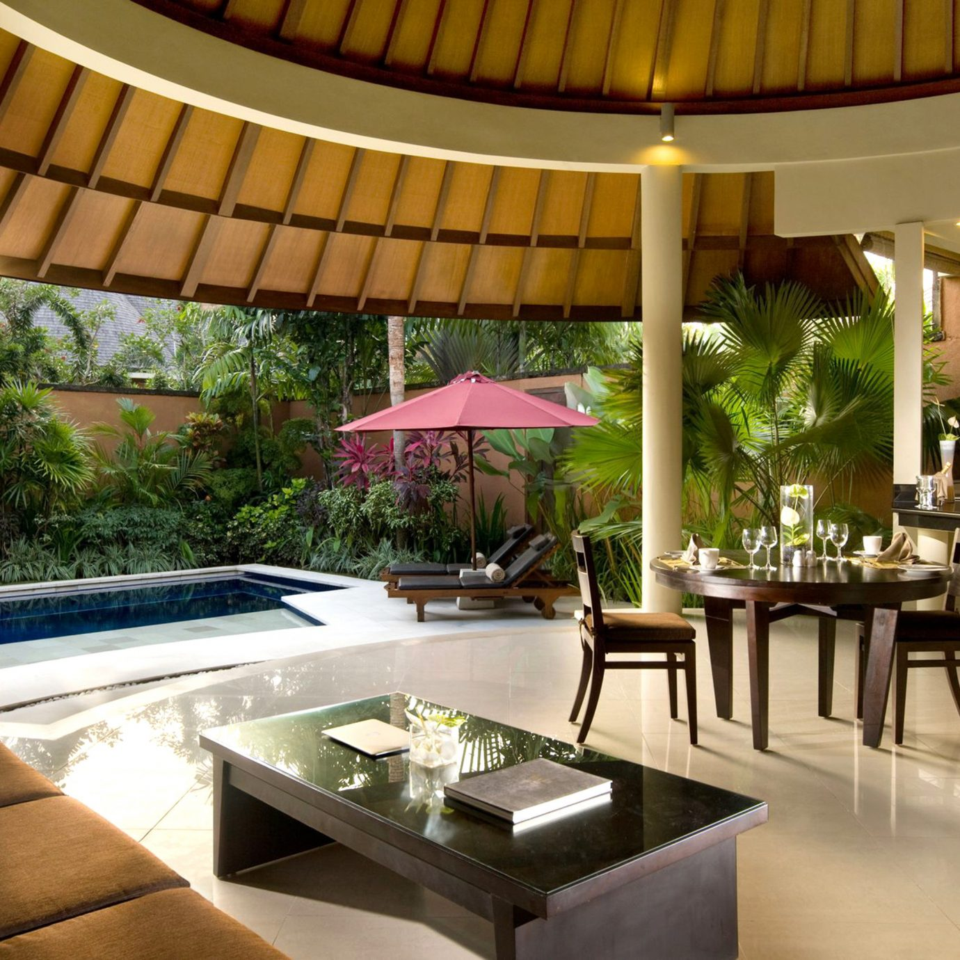 Beachfront Lounge Luxury property Resort Lobby Dining restaurant Villa condominium Modern
