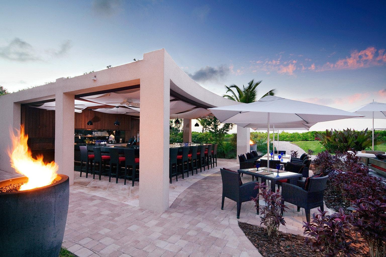 Beachfront Drink Eat Grounds sky restaurant Resort