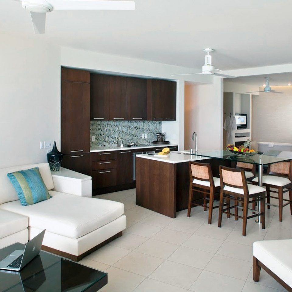 Beachfront Drink Eat Kitchen Resort property condominium living room Suite home cottage Modern