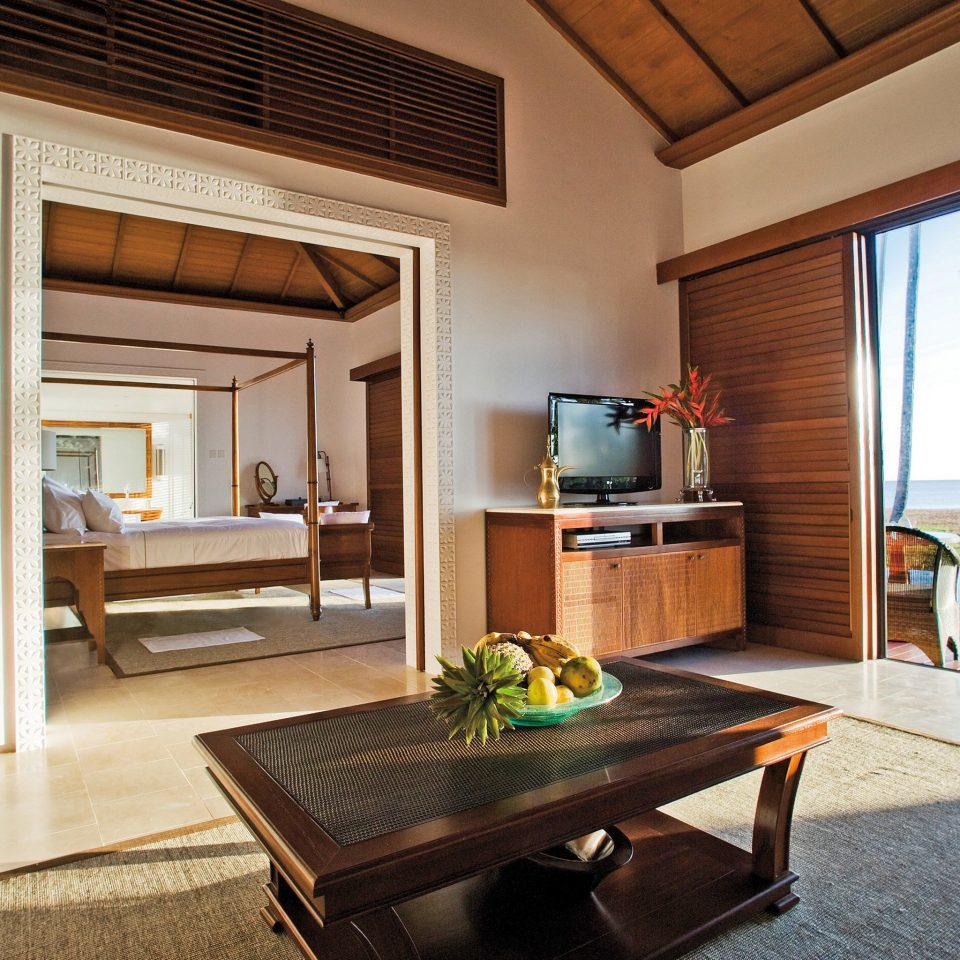 Beachfront Family Luxury Patio Resort Scenic views property home house living room hardwood cottage Suite Villa condominium farmhouse Kitchen mansion wood flooring