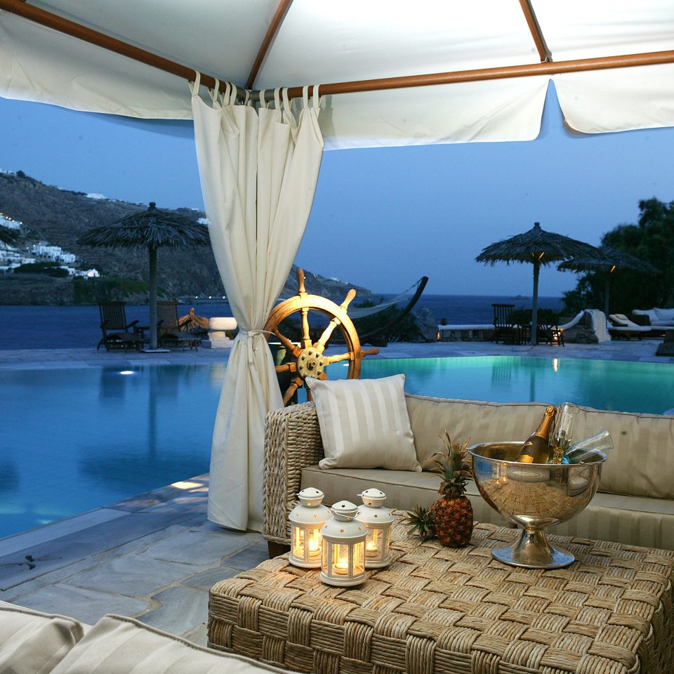 Beachfront Hip Lounge Luxury Modern swimming pool yacht Resort vehicle Villa overlooking