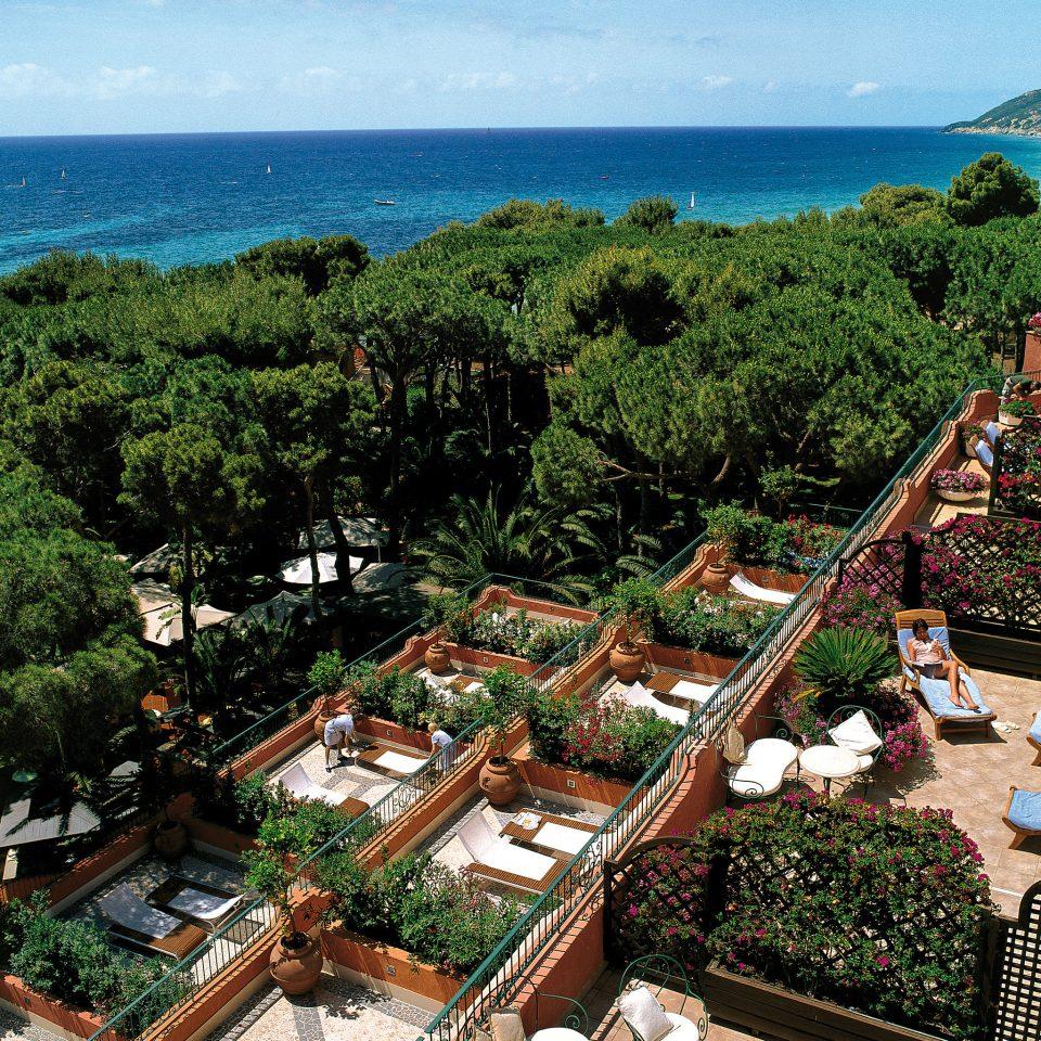 Beachfront Island Luxury Terrace tree water Town Nature Resort reef Village overlooking