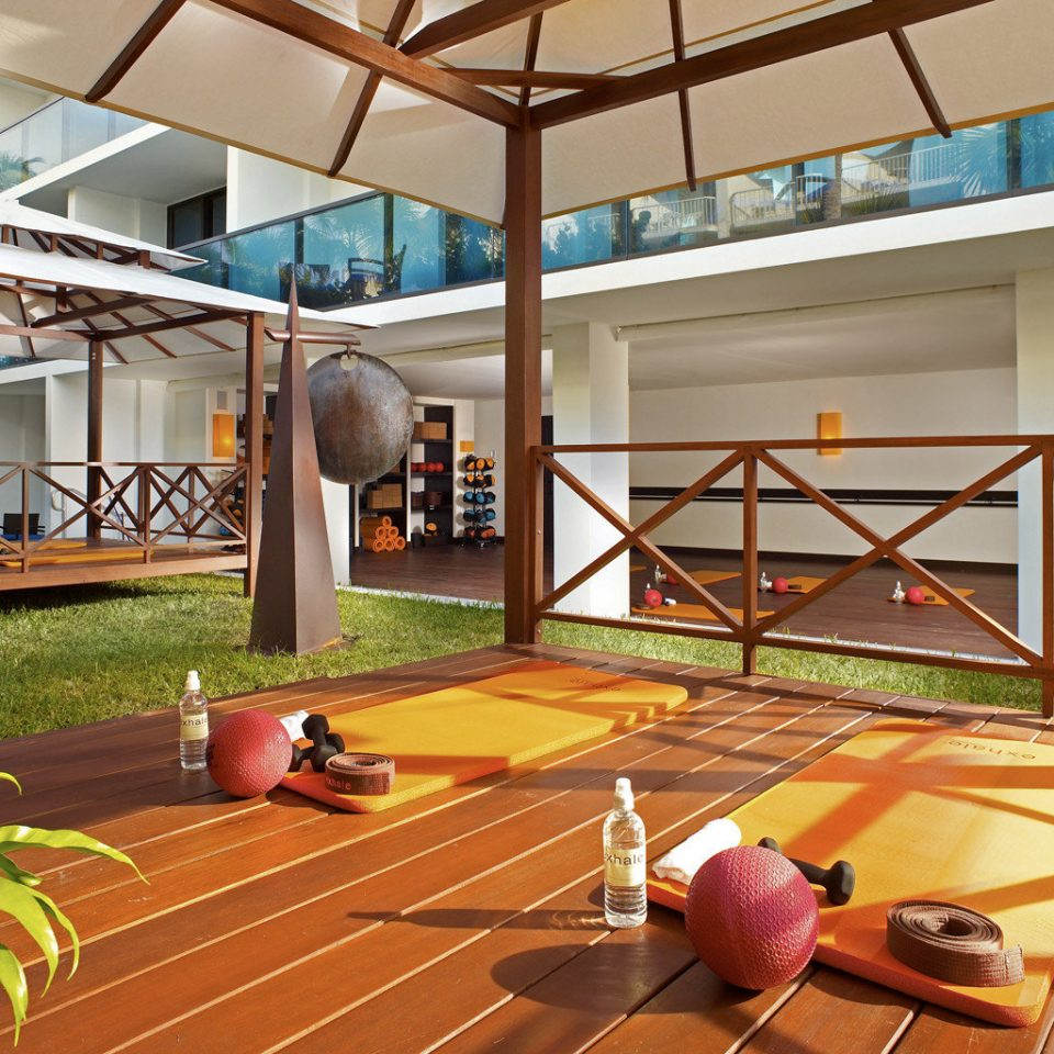 Beachfront Outdoor Activities Outdoors Play property Resort home Lobby living room