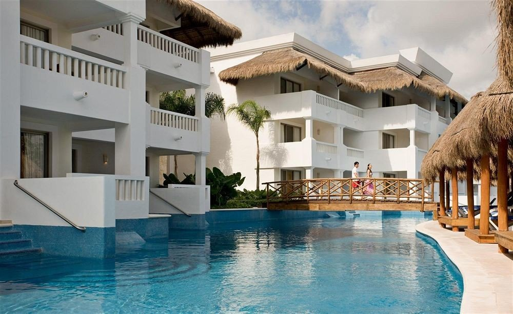 Beachfront Lounge Luxury Modern Pool Tropical building property swimming pool leisure Resort house Villa condominium home mansion hacienda swimming