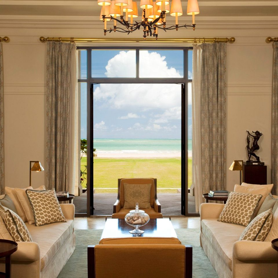 Beachfront Lounge Luxury Resort Scenic views living room property home condominium Suite Villa mansion cottage
