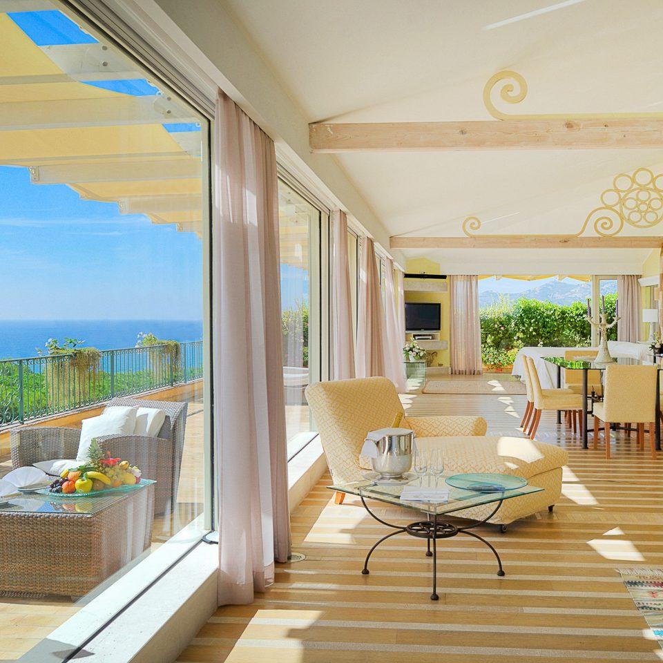 Beachfront Luxury Ocean Suite Terrace property Villa home Resort condominium living room mansion