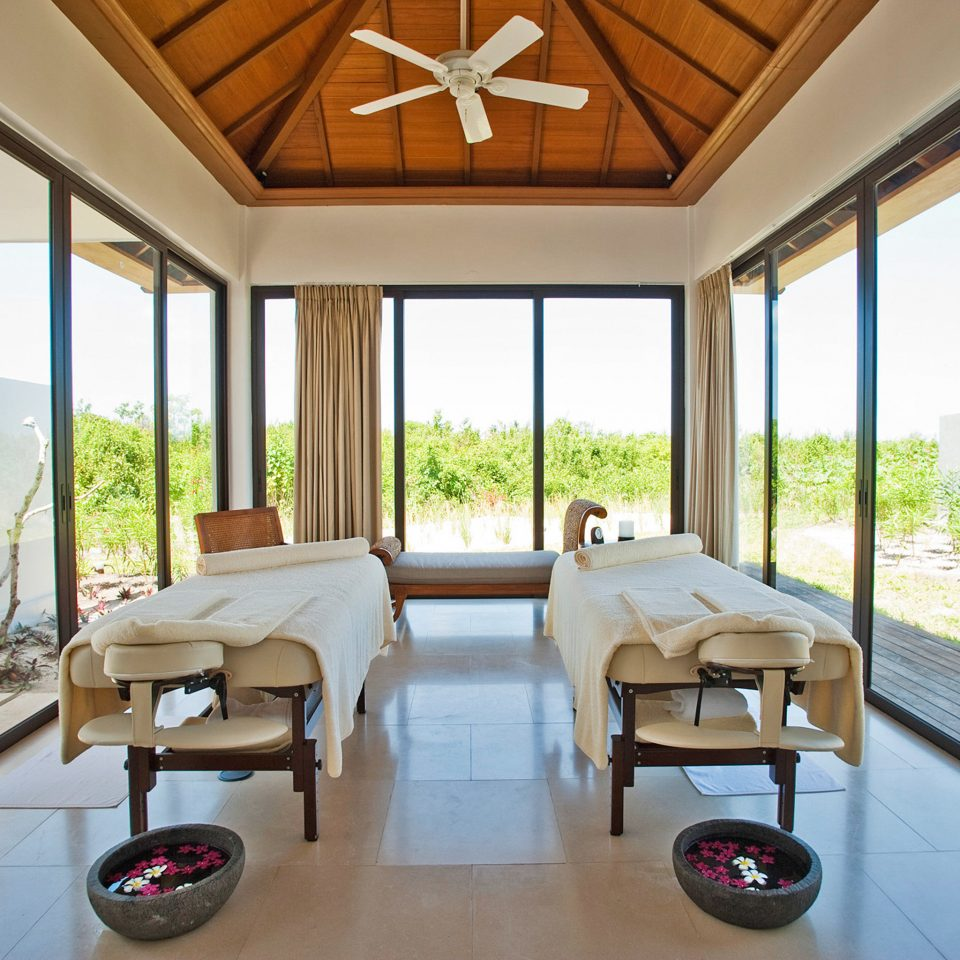 Beachfront Luxury Resort Scenic views Spa Wellness property condominium home Villa living room Suite porch overlooking