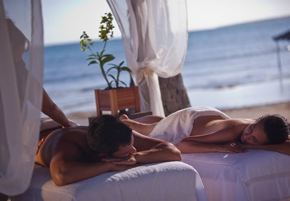 Beachfront Resort Spa Wellness leg Romance interaction