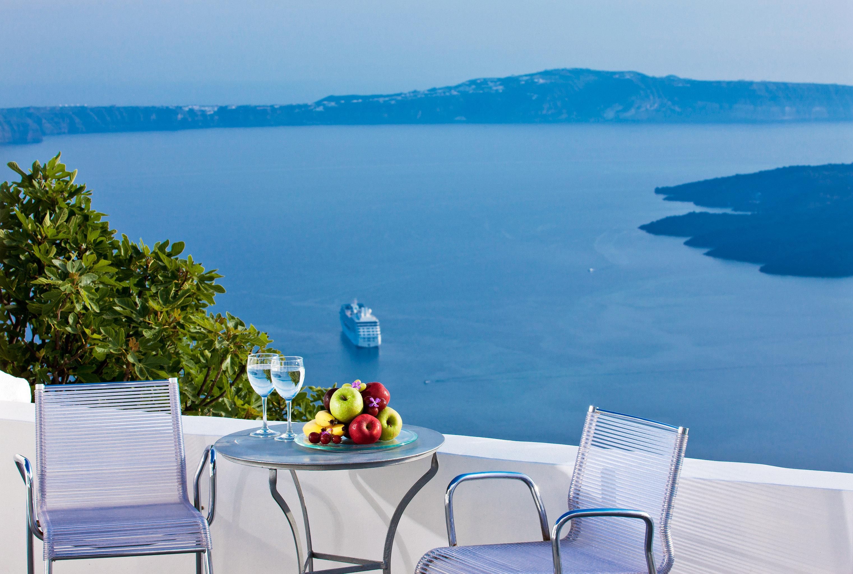 Beachfront Scenic views water sky leisure mountain Sea overlooking swimming pool Resort