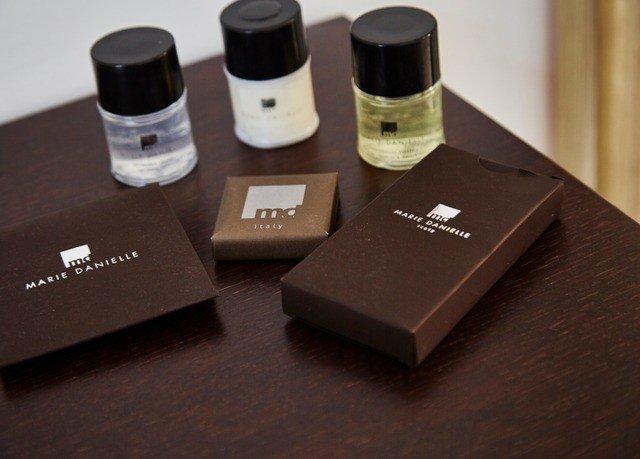 Beauty product skin eye organ brand perfume cosmetics