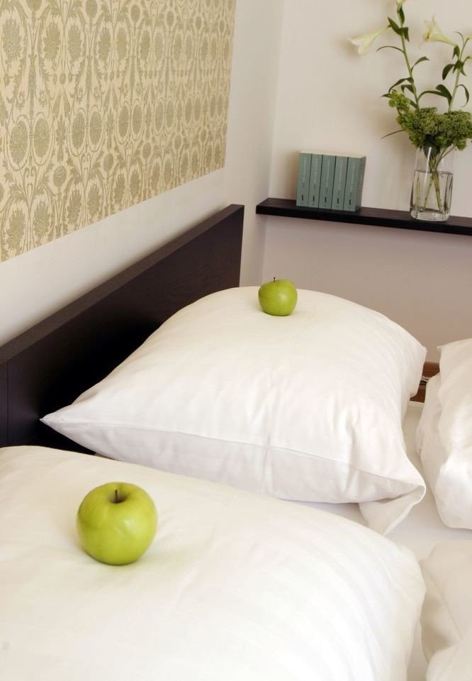 white green product bed sheet duvet cover bed frame textile flooring pillow studio couch
