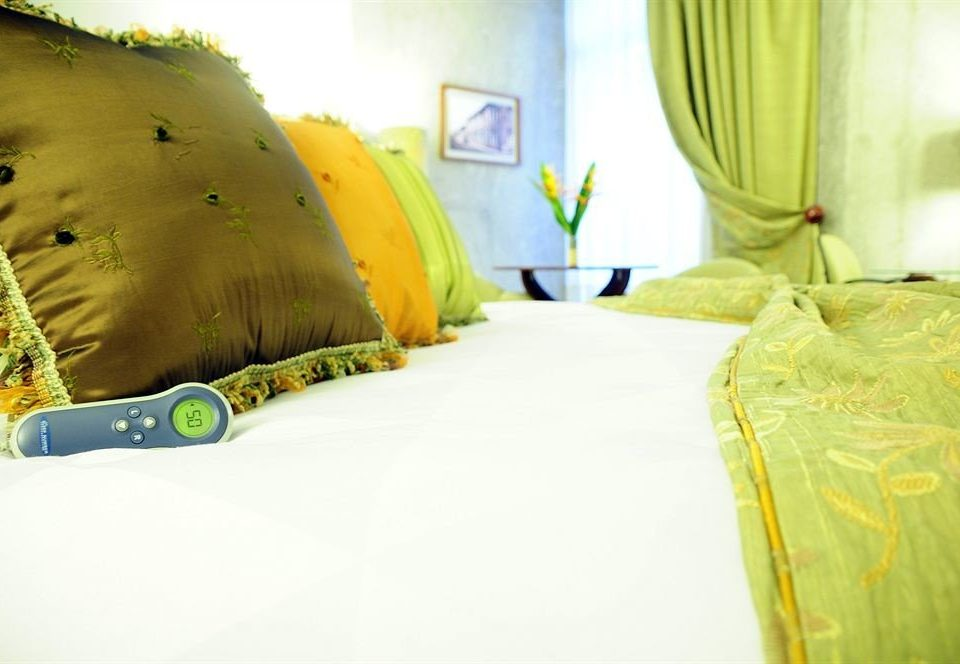color yellow green bed sheet bedclothes