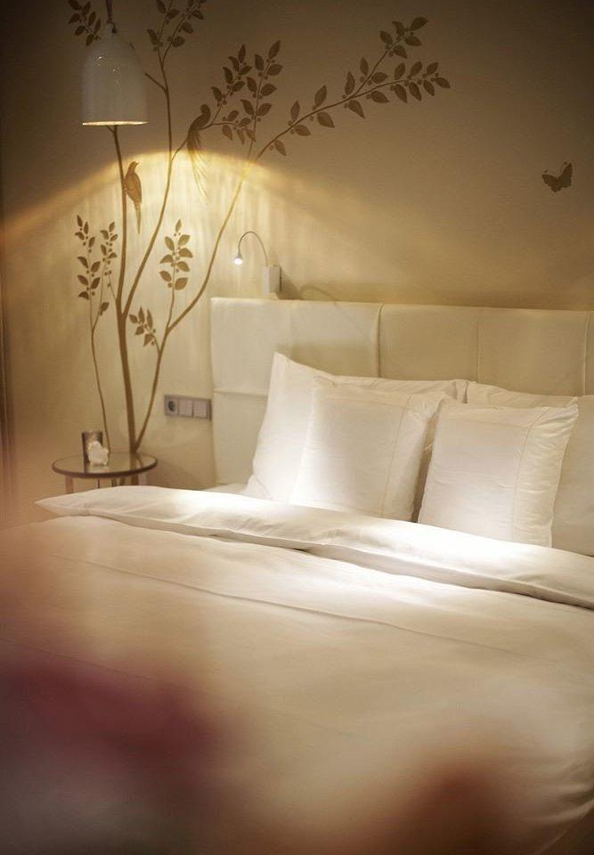 pillow lighting light bedclothes wallpaper lamp