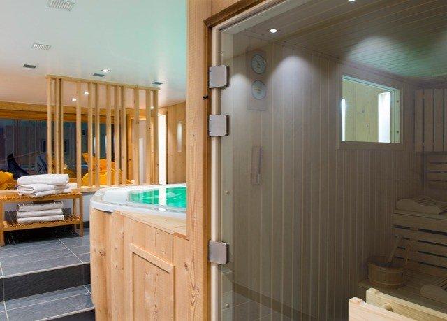 flooring amenity Bedroom