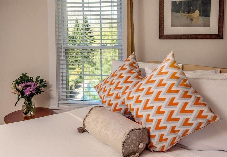 property living room home bed sheet textile cottage Bedroom arranged