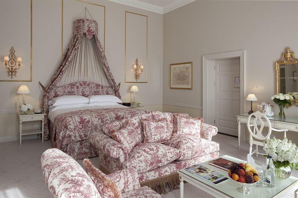 sofa property living room Bedroom home bed sheet cottage textile flat arranged