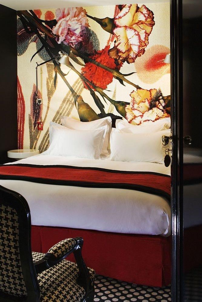red modern art art painting chair flower Bedroom