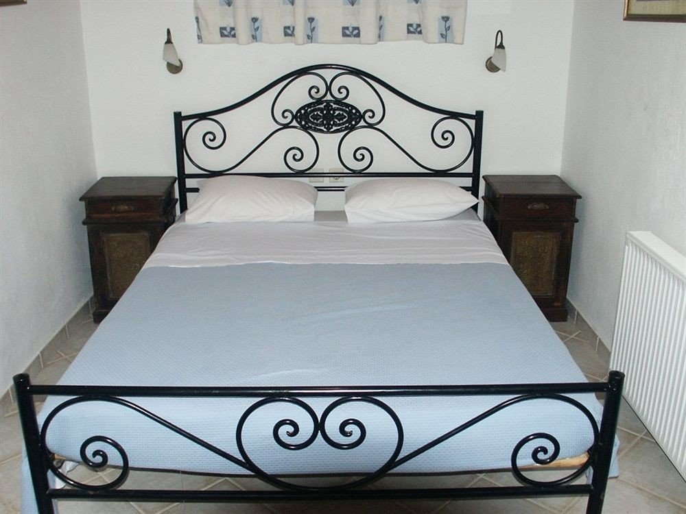 bed frame Bedroom bed sheet studio couch automotive exterior